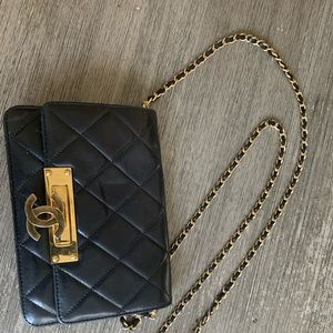 Chanel clutch cross body Caviar Quilted Black